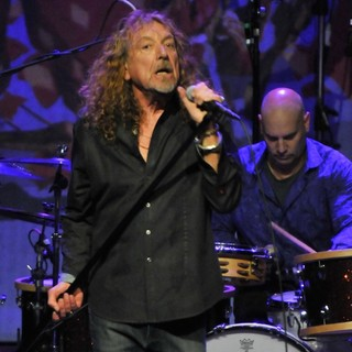 Robert Plant, Marco Giovino, Robert Plant and the Band of Joy in Robert Plant and the Band of Joy Performing Live