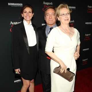 Julia Roberts, Kevin Huvane, Meryl Streep in The Weinstein Company Presents The LA Premiere of August: Osage County