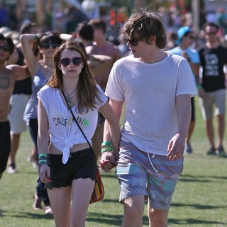 Emma Roberts, Evan Peters in The 2013 Coachella Valley Music and Arts Festival - Week 1 Day 2