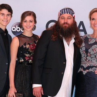 John Luke Robertson, Sadie Robertson, Willie Robertson, Korie Robertson in 47th Annual CMA Awards - Red Carpet