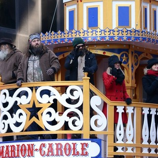 Phil Robertson, Willie Robertson, Jase Robertson, Jessica Robertson, Melissa Robertson in 87th Macy's Thanksgiving Day Parade