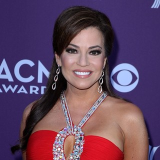 Robin Meade in 2012 ACM Awards - Arrivals
