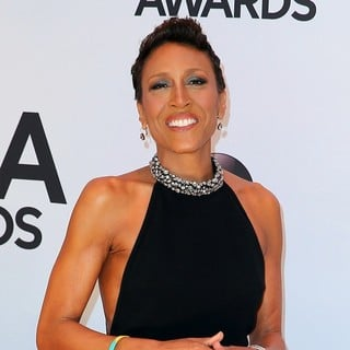 Robin Roberts (II) in 47th Annual CMA Awards - Red Carpet