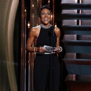 Robin Roberts (II) in 47th Annual CMA Awards - Show