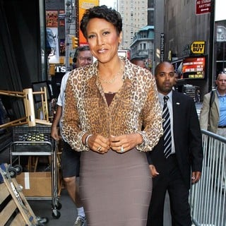 Robin Roberts (II) in Celebrities Outside ABC Studios Ahead of Their Appearances on Good Morning America