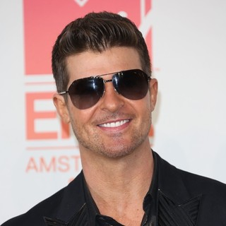 Robin Thicke in 20th MTV Europe Music Awards - Press Room