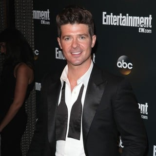 Robin Thicke in Entertainment Weekly and ABC TV Celebrate The New York Upfronts with A VIP Cocktail Party - Arrivals