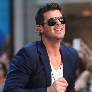 Robin Thicke in Robin Thicke Performs During The NBC Toyota Concert Series on The Today