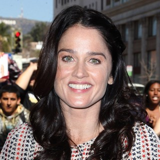 Robin Tunney in Simon Baker Is Honoured with A Star on The Hollywood Walk of Fame