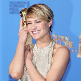 Robin Wright Penn in 71st Annual Golden Globes - Press Room
