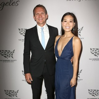 Sebastian Roche, Alicia Hannah in The Humane Society of The United States to The Rescue Gala