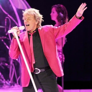 Rod Stewart in Rod Stewart Performs at The Bank Atlantic Center