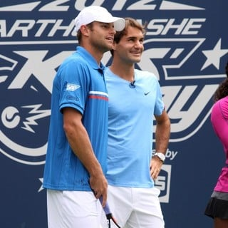 Andy Roddick in Arthur Ashe Kids Day 2012 - roddick-federer-arthur-ashe-kids-day-2012-01