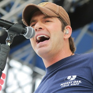 Rodney Atkins Performs at The 25th Anniversary KISS Country Chili Cookoff 2010