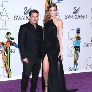Robert Rodriguez, Eniko Mahalik in The 2011 CFDA Fashion Awards