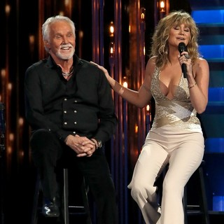 Kenny Rogers, Jennifer Nettles in 47th Annual CMA Awards - Show