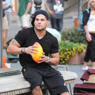 Ronnie Ortiz-Magro in Jersey Shore Cast Members Play Catch with A Ball in The Town Square