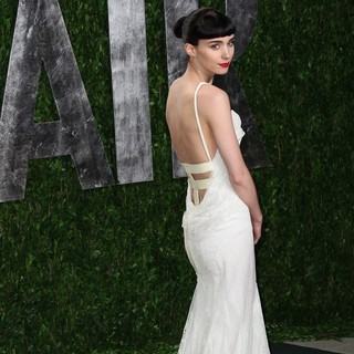 Rooney Mara in 2012 Vanity Fair Oscar Party - Arrivals
