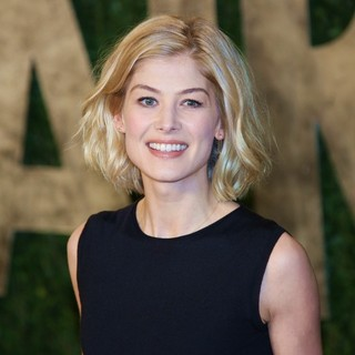 Rosamund Pike in 2013 Vanity Fair Oscar Party - Arrivals - rosamund-pike-2013-vanity-fair-oscar-party-01