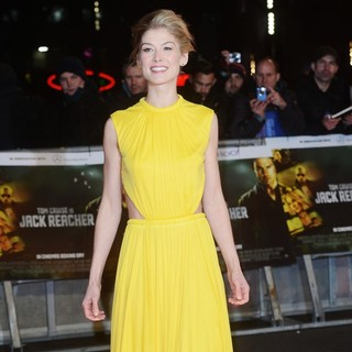 Rosamund Pike in Jack Reacher UK Film Premiere - Arrivals