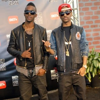 Roscoe Dash in BET Hip Hop Awards 2011 - Arrivals - roscoe-dash-big-sean-bet-hip-hop-awards-2011-arrivals-01