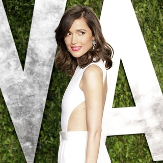 Rose Byrne in 2013 Vanity Fair Oscar Party - Arrivals - rose-byrne-2013-vanity-fair-oscar-party-04
