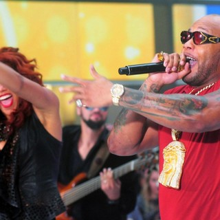 Natalie La Rose, Flo Rida in Flo Rida and Natalie La Rose Perform on The Today Show as Part of NBC's Toyota Concert Series