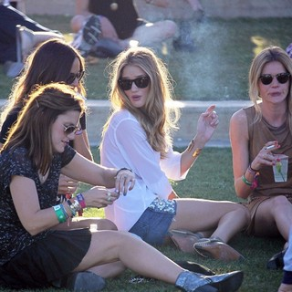 Rosie Huntington-Whiteley - Celebrities at The 2012 Coachella Valley Music and Arts Festival - Week 2 Day 1