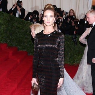 Rosie Huntington-Whiteley in Schiaparelli and Prada Impossible Conversations Costume Institute Gala