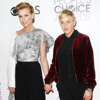 Portia de Rossi, Ellen DeGeneres-People's Choice Awards 2017 - Press Room