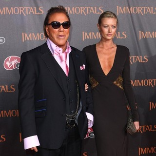 Mickey Rourke in Immortals 3D Los Angeles Premiere - rourke-makarenko-premiere-immortals-01
