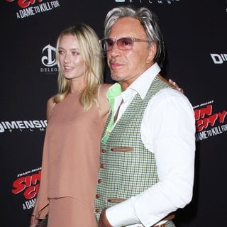 Mickey Rourke in Los Angeles Premiere of Sin City: A Dame to Kill For - rourke-makarenko-premiere-sin-city-a-dame-to-kill-for-03