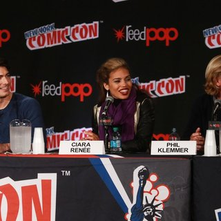 Brandon Routh, Ciara Renee, Phil Klemmer in New York Comic Con - Day 4 - Press Conference