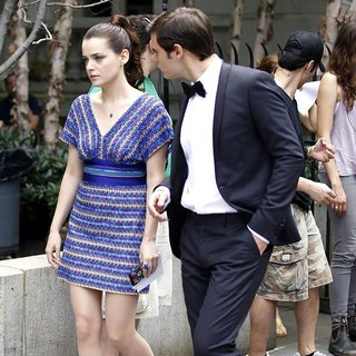Roxane Mesquida in Shooting for Gossip Girl