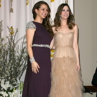 Maya Rudolph, Kristen Wiig in 84th Annual Academy Awards - Press Room