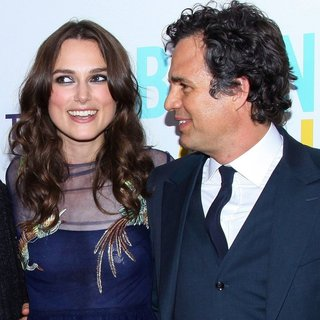 Mark Ruffalo in The New York Premiere of Begin Again - Arrivals - ruffalo-knightley-premiere-begin-again-03