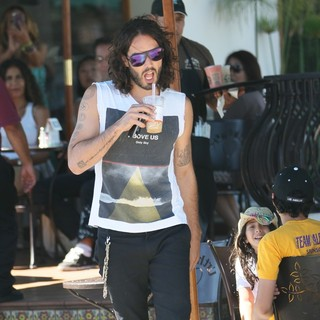 Russell Brand in Russell Brand at Urth Caffe with Friends