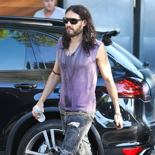 Russell Brand in Russell Brand Seen Leaving The Studio Walking Barefoot