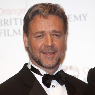 Russell Crowe in Orange British Academy Film Awards 2012 - Press Room