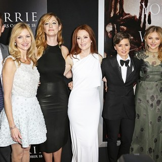 Premiere of Metro-Goldwyn-Mayer Pictures' and Screen Gems' Carrie - russell-preston-greer-moore-peirce-moretz-doubleday-premiere-carrie-01