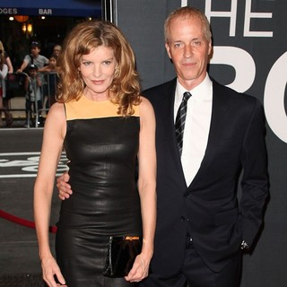 Rene Russo in The Universal Pictures World Premiere of The Bourne Legacy - Arrivals - russo-gilroy-premiere-the-bourne-legacy-01