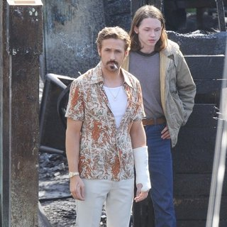 Ryan Gosling in On The Set of Movie The Nice Guys Filming