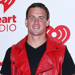 Ryan Lochte in 2012 iHeartRadio Music Festival - Day 1 - Arrivals - ryan-lochte-2012-iheartradio-music-festival-day-1-01