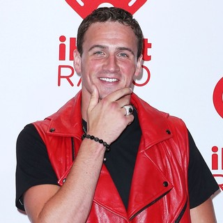 Ryan Lochte in 2012 iHeartRadio Music Festival - Day 1 - Arrivals - ryan-lochte-2012-iheartradio-music-festival-day-1-02