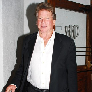 Ryan O'Neal in Ryan O'Neal Leaving Madeo Restaurant on Beverly Boulevard