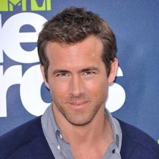 Ryan Reynolds in 2011 MTV Movie Awards - Arrivals
