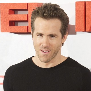 Ryan Reynolds in The Photocall of Film Safe House