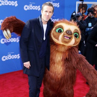 Ryan Reynolds in The Croods Premiere - Arrivals