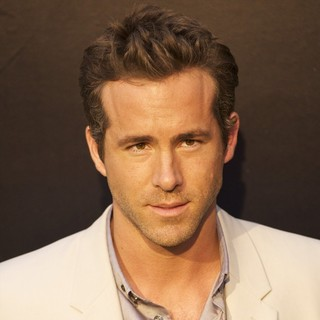 Ryan Reynolds in Premiere of Green Lantern - Arrivals