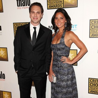 Thomas Sadoski, Olivia Munn in 2012 Critics' Choice TV Awards - Arrivals